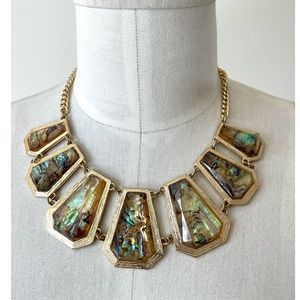❤️ The Limited Gold Tone Statement Necklace